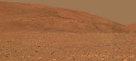 ピンク色した火星のコロンビア丘