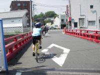 自転車道を離れて藤沢市内へ