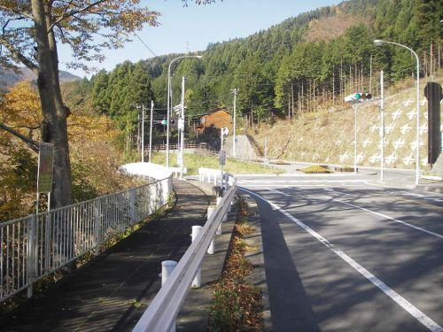 道坂峠への分岐