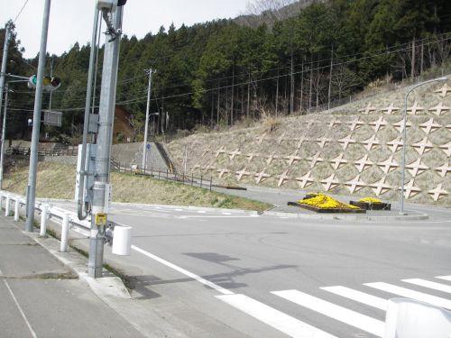 道坂峠へ右折