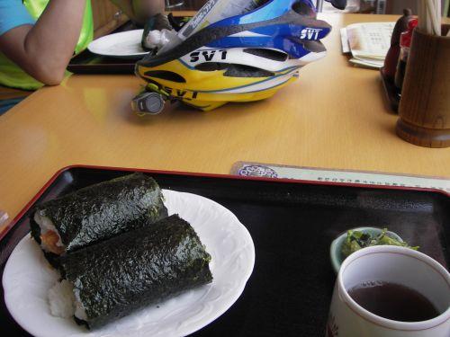 おむすびのおおみやで昼食