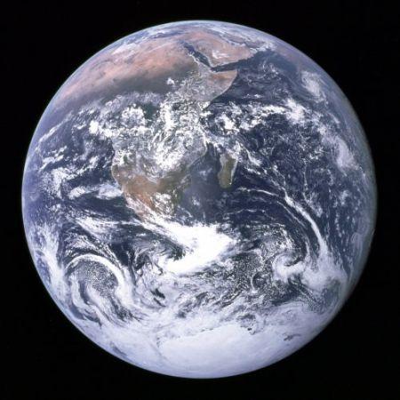 アポロ17号で撮影さされた月