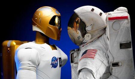 ロボノートと宇宙飛行士