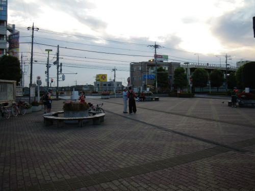 東浦和駅前