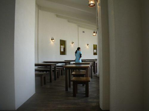 ジュブリルタンの室内の食事スペース