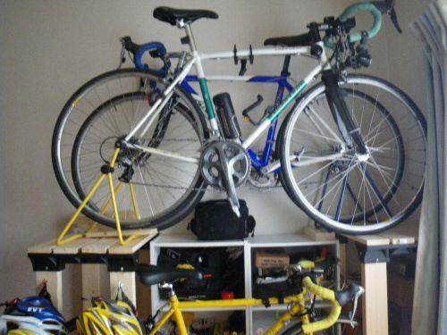 自転車ラック近づいて