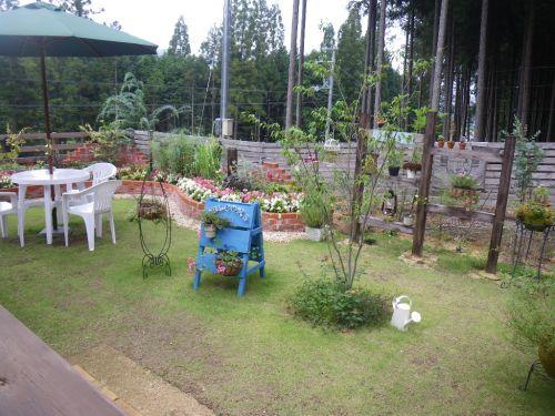 森のカフェのお庭