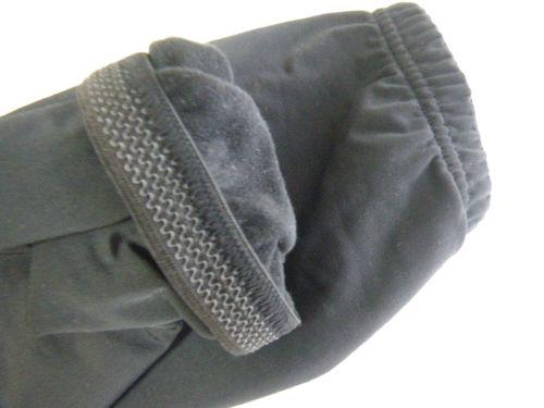 袖口のゴム