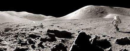 宇宙飛行士ハリソン=シュミットによる月面歩行